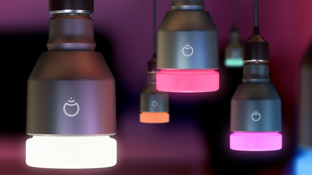 bulbs-hangingballs-1445883837-0hdl-full-width-inline.jpg