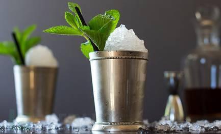 好的Mint Julep 杯子