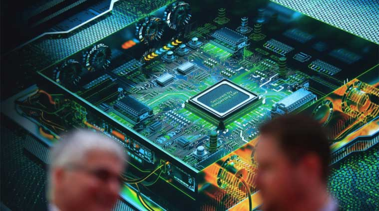 intel_chip_bloomberg.jpg