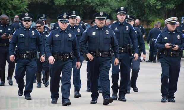 美国警察.jpg