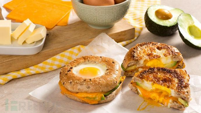 Egg-Avocado-and-Bagel-Egg-in-a-hole-CMS2.jpg